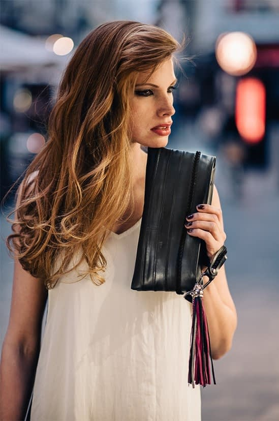 Črna Zračka_ženska črna torbica iz recikliranih zračnic