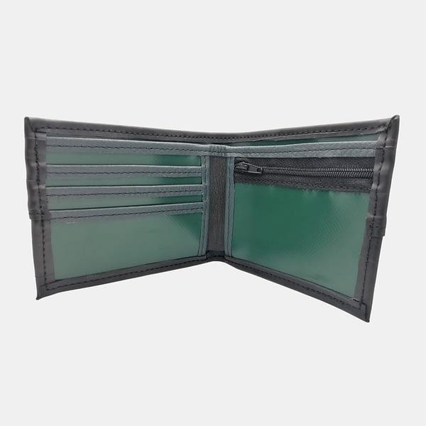 Moska-denarnica-Crna-zracka_iz-recikliranega-materiala_v-videzu-usnja-9
